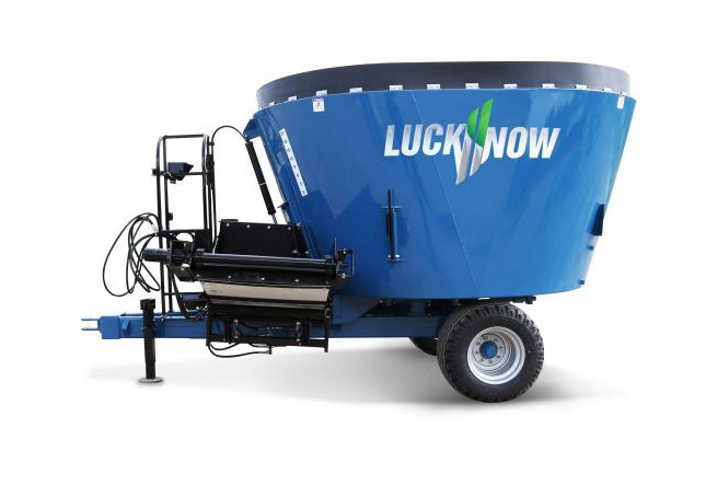 LuckNow vertical mixers single screw trailer