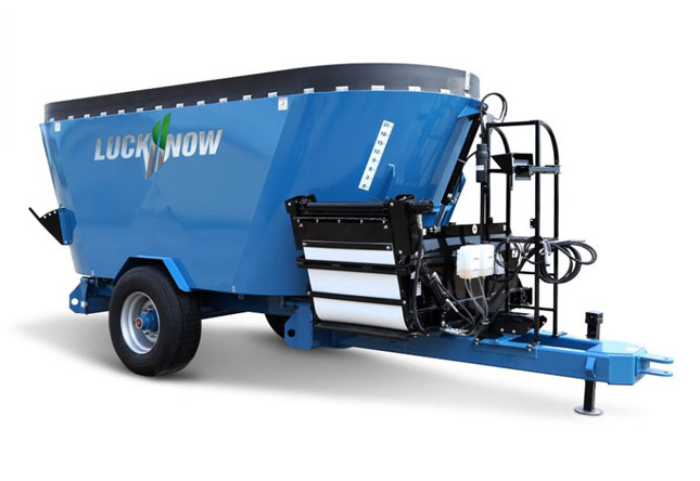 LuckNow vertical mixers twin screw trailer